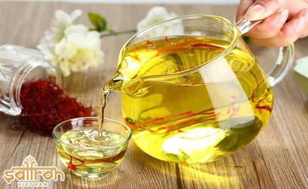 cách dùng saffron bahraman để pha trà đơn giản nhất