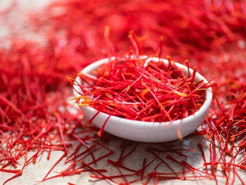 Một ngày nên uống bao nhiêu sợi saffron